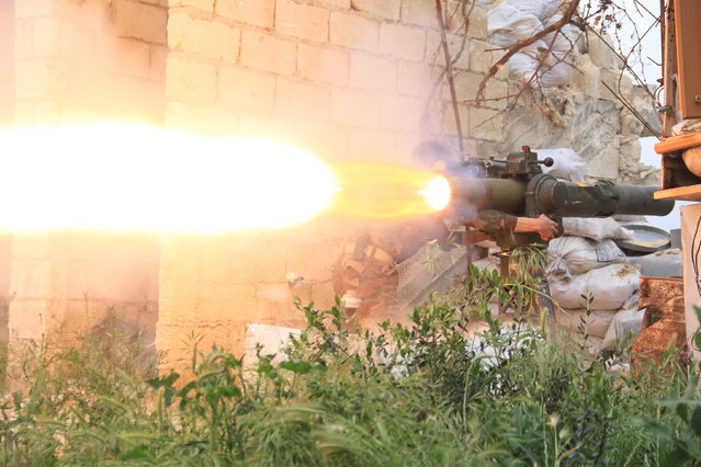 Clashes between the Free Syrian Army and the regime Army in the eastern outskirts of Aleppo, Syria on August 16, 2016. (Photo by Louai Barakat/Imageslive/ZUMA Press/Splash News)