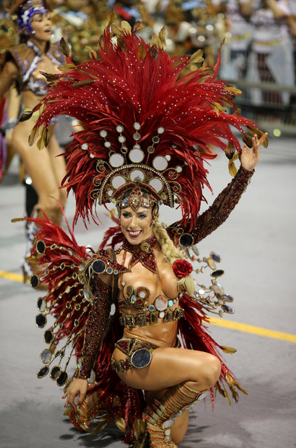A reveller parades for the Gavioes da Fiel samba school during the carnival in Sao Paulo, Brazil, February 25, 2017. (Photo by Paulo Whitaker/Reuters)