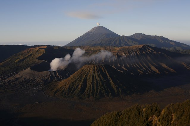 A general view of the Bromo Tengger Semeru National Park during sunrise is seen from top of Mount Pananjakan ahead of Kasada festival in Indonesia's East Java province, July 31, 2015. (Photo by Reuters/Beawiharta)
