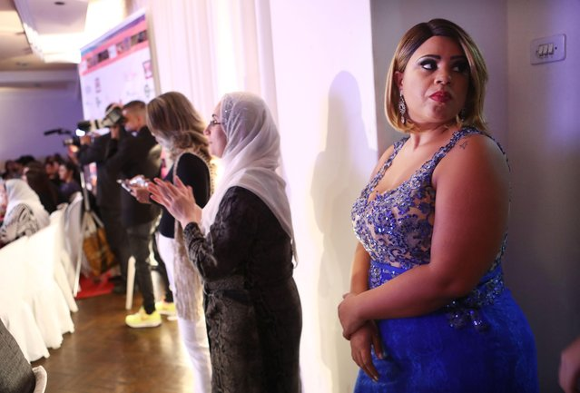 A contestant waits to compete during the Miss Plus Size Carioca beauty pageant on July 8, 2017 in Rio de Janeiro, Brazil. 24 contestants, aged 18-45, competed in the contest which aims to challenge modern inclusive standards of beauty. (Photo by Mario Tama/Getty Images)
