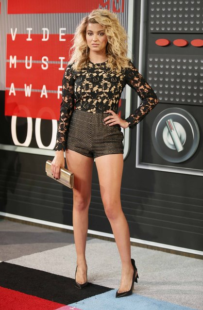 Singer Tori Kelly arrives at the 2015 MTV Video Music Awards in Los Angeles, California, August 30, 2015. (Photo by Danny Moloshok/Reuters)