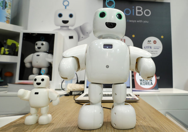 The home-use social robot piBo is displayed at the Mobile World Congress in Barcelona, Spain, February 26, 2018. (Photo by Yves Herman/Reuters)