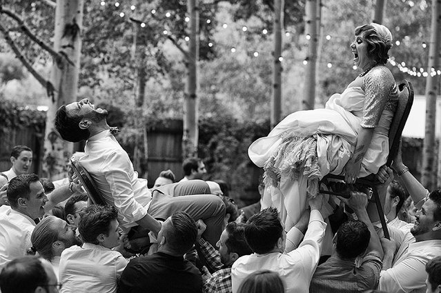 Bride and Groom. 1st place – The decisive moment. Zaragoza, Spain. (Photo by Victor Lax/Caters News)