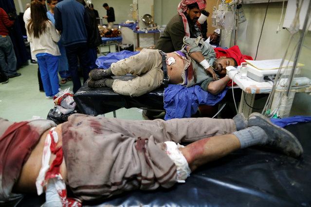 men wounded in a bomb attack in Kokjali, receive treatment at a hospital in the northern Iraqi city of Erbil, December 22, 2016. (Photo by Ammar Awad/Reuters)