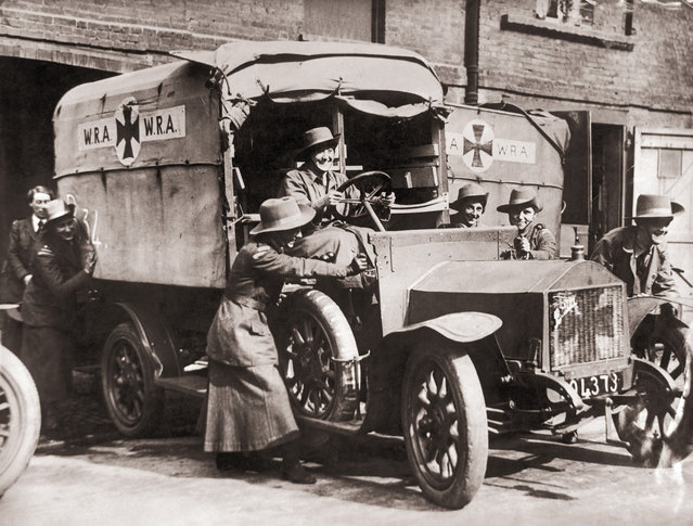 The WRA (Women's Reserve Ambulance) Corps learn to drive an ambulance at a London hospital before serving in France during World War I, circa 1914. (Photo by Paul Thompson/FPG/Getty Images)