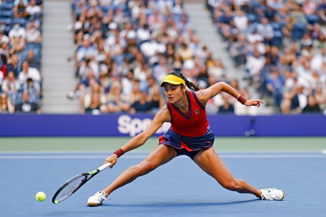 Emma Raducanu of Great Britain lunges to return the ball in the second set against Leylah Annie Fernandez of Canada during their Women's Singles final match on Day Thirteen of the 2021 US Open at the USTA Billie Jean King National Tennis Center on September 11, 2021 in the Flushing neighborhood of the Queens borough of New York City. (Photo by Al Bello/Getty Images)