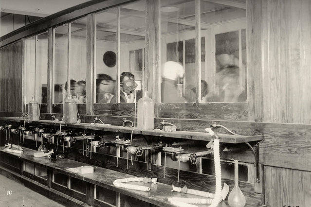 Employees test gas masks at the Chemical Development Laboratory in Philadelphia in this 1919 handout picture. This picture is part of a previously unpublished set of World War One (WWI) images from a private collection. The pictures offer an unusual view of varied and contrasting aspects of the conflict, from high tech artillery to mobile pigeon lofts, and from officers partying in their headquarters to the grim reality of life and death in the trenches. The year 2014 marks the centenary of the start of the war. (Photo by Reuters/Archive of Modern Conflict London)