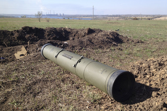 A tube of a Kornet anti-tank guided missile, presumably delivered from Russia, is seen on a battlefield near separatist-controlled Starobesheve in eastern Ukraine October 2, 2014. (Photo by Maria Tsvetkova/Reuters)