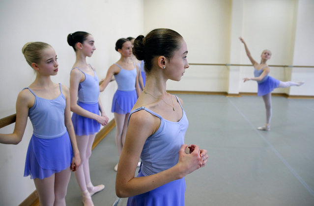 Students take part in a class of the Moscow State Academy of Choreography in Moscow, Russia 03 March 2016. (Photo by Yuri Kochetkov/EPA)