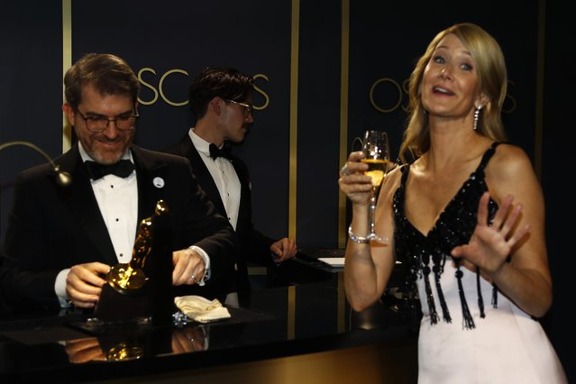 Best Supporting Actress Laura Dern waits for her Oscar statue to be engraved at the Governors Ball following the 92nd Academy Awards in Los Angeles, California, U.S., February 9, 2020. (Photo by Eric Gaillard/Reuters)