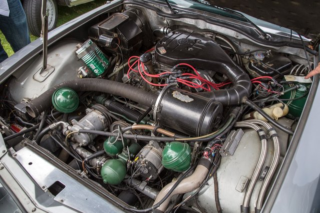 """The only thing missing from this Citroen DS19 engine bay is a sign reading """"abandon hope, all ye who enter"""". (Photo by Robert Kerian/Yahoo Autos)"""