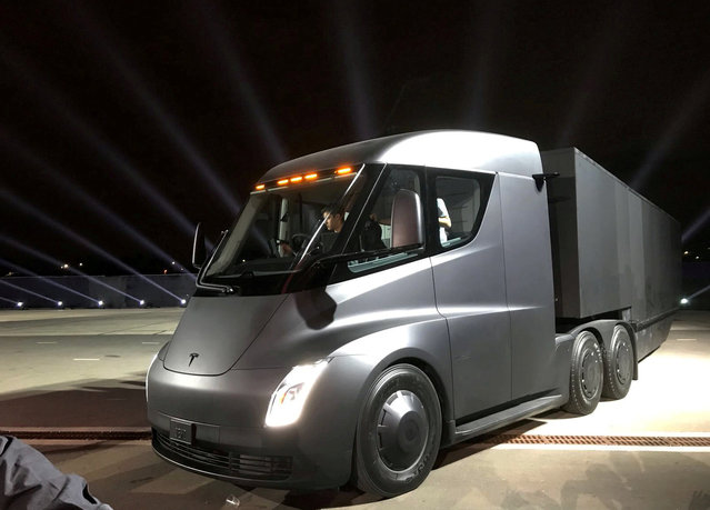 Tesla's new electric semi truck is unveiled during a presentation in Hawthorne, California, U.S., November 16, 2017. (Photo by Alexandria Sage/Reuters)