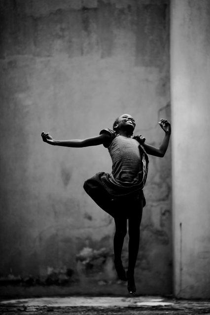"""""""Jumpology"""". Jump. Nigerai. (Photo by Gbenro Sholanke)"""