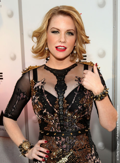 Actress Carrie Keagan
