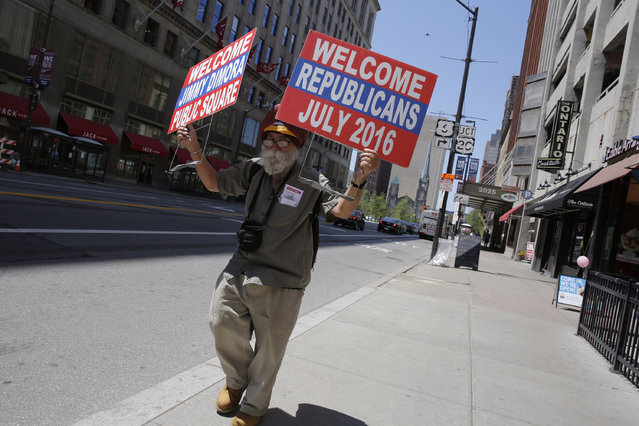 Community activist Satinder Puri protests city corruption amid preparations for the arrival of visitors and delegates for the Republican National Convention on July 15, 2016, in Cleveland, Ohio. (Photo by Dominick Reuter/AFP Photo)