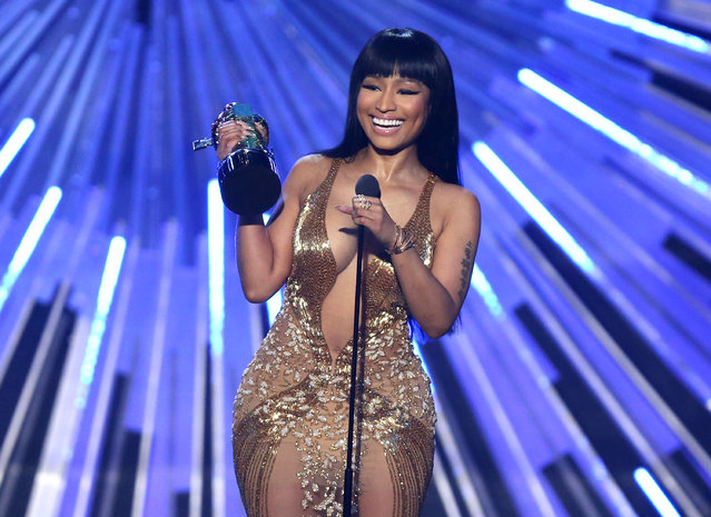 "Nicki Minaj accepts the award for hip-hop video of the year for ""Anaconda"" at the MTV Video Music Awards at the Microsoft Theater on Sunday, August 30, 2015, in Los Angeles. (Photo by Matt Sayles/Invision/AP Photo)"