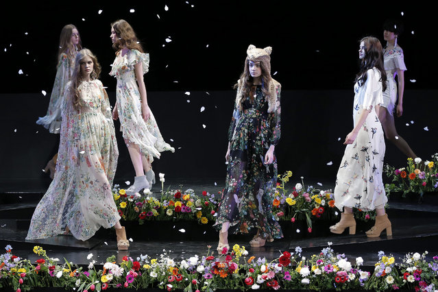 "Models present creations by Thai designer Pim Sukhahuta for her label ""Sretsis"" during the Mercedes-Benz Fashion Week in Tokyo, Japan, 16 March 2015. (Photo by Kiyoshi Ota/EPA)"
