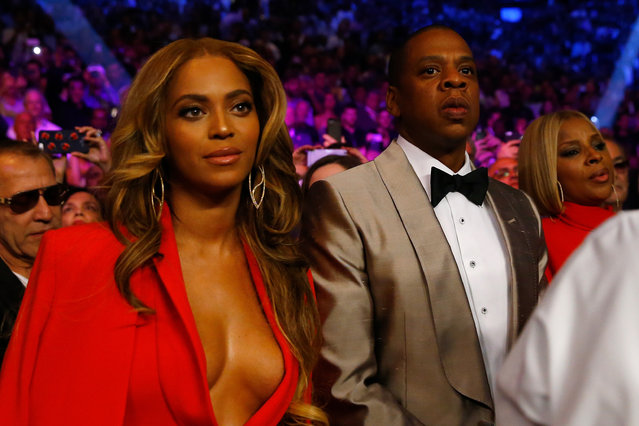 Beyonce Knowles and Jay Z attend the welterweight unification championship bout on May 2, 2015 at MGM Grand Garden Arena in Las Vegas, Nevada. (Photo by Al Bello/Getty Images)