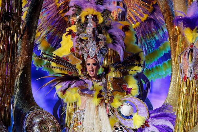 Nominee for Queen of the 2013 Santa Cruz carnival Jennifer Alonso performs on February 26, 2014 in Santa Cruz de Tenerife on the Canary island of Tenerife, Spain. (Photo by Pablo Blazquez Dominguez/Getty Images)