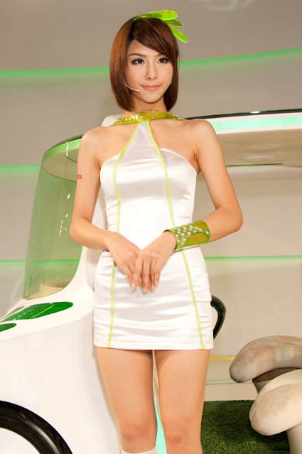 Asian Beauty: Hot Promotional Models in Taipei, Taiwan. Taipei Int'l Auto Show 2010