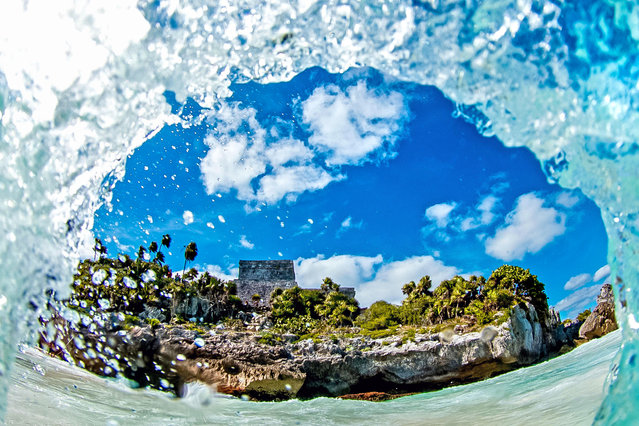 Mayan Temple Wave. (Photo by Kenji Croman/Caters News)