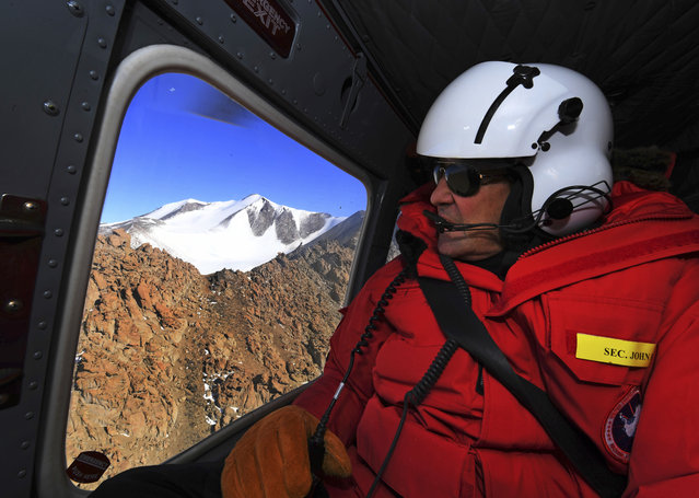 U.S. Secretary of State John Kerry flies over the Taylor Valley area near McMurdo Station, Antarctica, Friday, November 11, 2016. Secretary Kerry is traveling to Antarctica, New Zealand, Oman, United Arab Emirates, Morocco, and APEC in Peru on his 9 day trip. (Photo by Mark Ralston/Pool Photo via AP Photo)