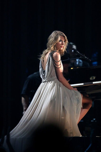 "Taylor Swift performs ""All Too Well"" at the 56th annual Grammy Awards at Staples Center on Sunday, January 26, 2014, in Los Angeles. (Photo by Matt Sayles/Invision/AP)"