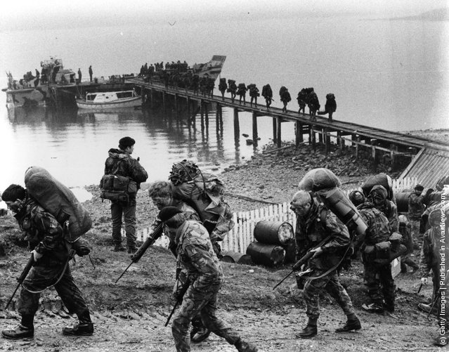 British troops arriving in the Falklands Islands during the Falklands War
