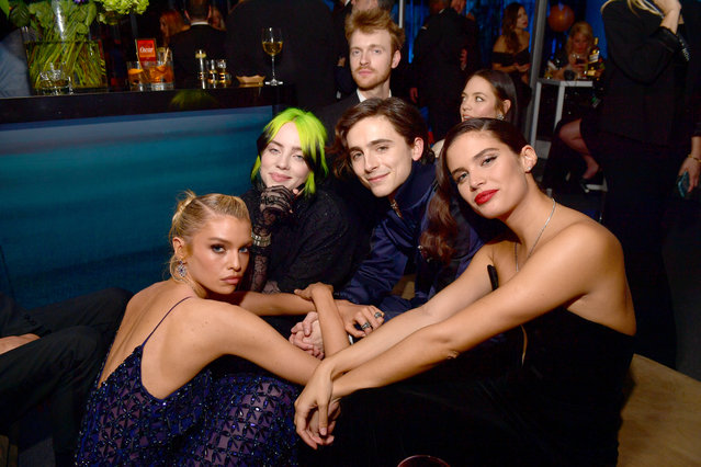 (L-R) Stella Maxwell, Billie Eilish, Finneas O'Connell, Timothée Chalamet, and Sara Sampaio attend the 2020 Vanity Fair Oscar Party hosted by Radhika Jones at Wallis Annenberg Center for the Performing Arts on February 09, 2020 in Beverly Hills, California. (Photo by Matt Winkelmeyer/VF20/WireImage)