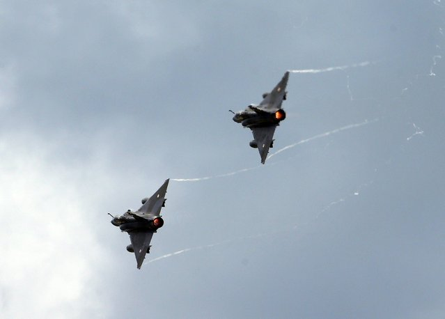 Dassault Mirage 2000N aircrafts of Ramex Delta French Air Force perform during the Air14 airshow at the airport in Payerne August 31, 2014. The Swiss Air Force celebrates their 100th anniversary with the biggest airshow in Europe this year. (Photo by Denis Balibouse/Reuters)