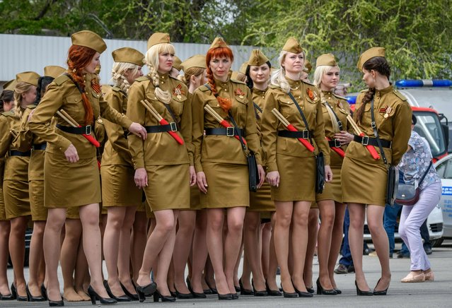 Russian policewomen dressed in Soviet Army styled uniforms take part in the Victory Day parade in Volgograd on May 9, 2018 Russia marks the 73 rd anniversary of the Soviet Union' s victory over Nazi Germany in World War Two. (Photo by Mladen Antonov/AFP Photo)