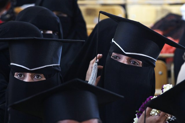 Yemeni university graduates attend their graduation ceremony at Sana'a University, Sana'a, Yemen, 31 December 2015. According to reports literacy rates in Yemen stand at approximately 70 percent for men and 38 percent for women, though the ongoing conflict in the impoverished country has severely limited the chances for students to attend education, as schools close. (Photo by Yahya Arhab/EPA)