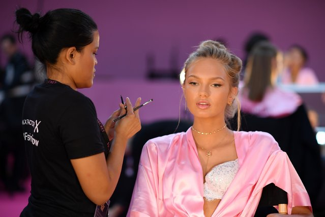 Romee Strijd has her Hair & Makeup done prior the 2016 Victoria's Secret Fashion Show on November 30, 2016 in Paris, France. (Photo by Dimitrios Kambouris/Getty Images for Victoria's Secret)