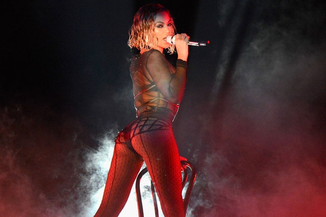 Beyonce performs onstage during the 56th Grammy Awards at Staples Center on January 26, 2014 in Los Angeles, California.  (Photo by Kevin Mazur/WireImage)