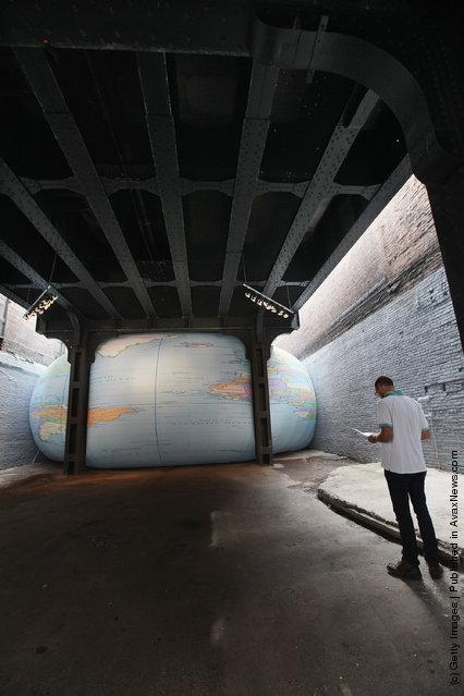 David Byrne's installation Tight Spot
