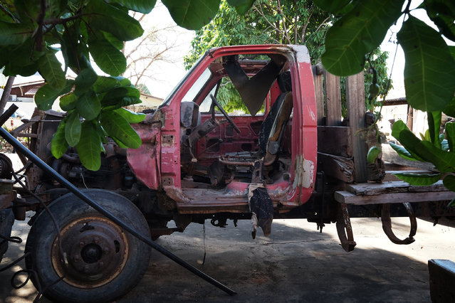 A logging truck confiscated by FUNAI, the Brazilian government agency that overseas indigenious affairs in Imperatriz, Maranhão on August 6, 2015. FUNAI provides support to the Guardians of the Forest, a militia group of the Guajajara tribe that is trying to keep loggers from stealing hardwood trees from their land. (Photo by Bonnie Jo Mount/The Washington Post)