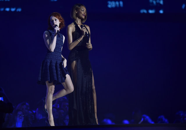 Actress Malone and model Jordan Dunn attend the 2014 MTV Europe Music Awards at the SSE Hydro Arena in Glasgow. (Photo by Toby Melville/Reuters)
