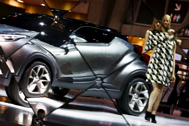 Toyota Motor Corp's C-HR concept car is reflected in a mirror at at the 44th Tokyo Motor Show in Tokyo, Japan, October 28, 2015. (Photo by Thomas Peter/Reuters)