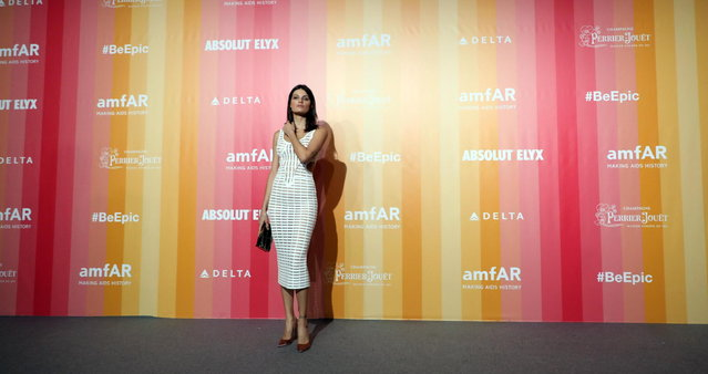 Isabeli Fontana arrives at the amfAR charity dinner during the Milan Fashion Week, in Milan, Italy, 22 September 2018. (Photo by Matteo Bazzi/EPA/EFE)
