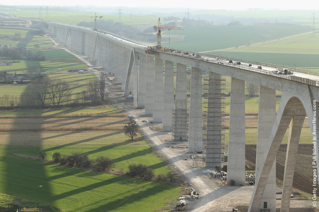 Unstrut Valley high-speed railway bridge near Karsdorf, Germany