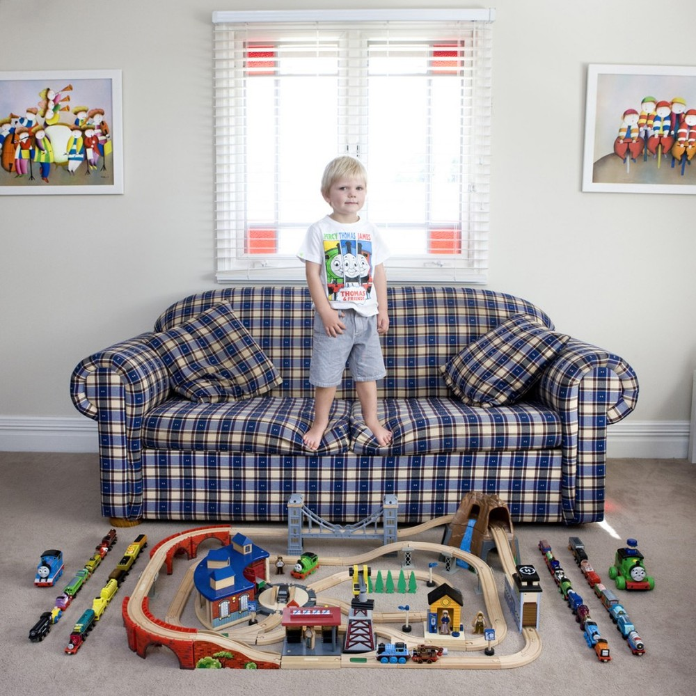 """""""Toy Stories"""" Project by Photographer Gabriele Galimberti"""