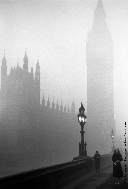 1939: The Houses of Parliament, London, engulfed in fog