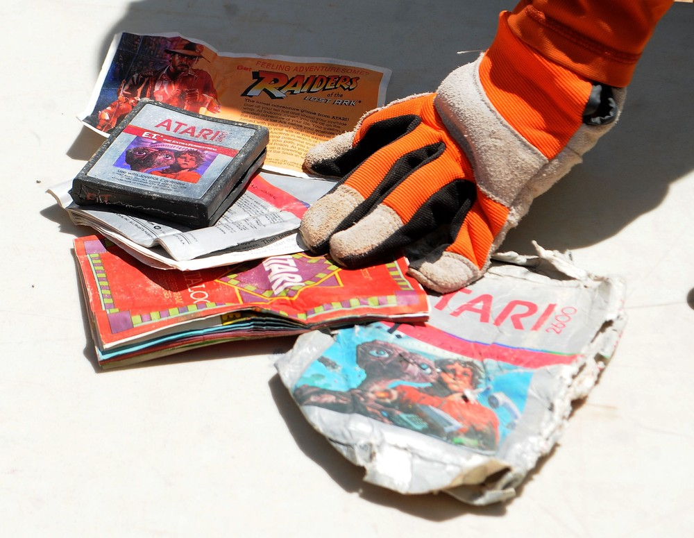 Diggers Find's E.T. Games in Landfill