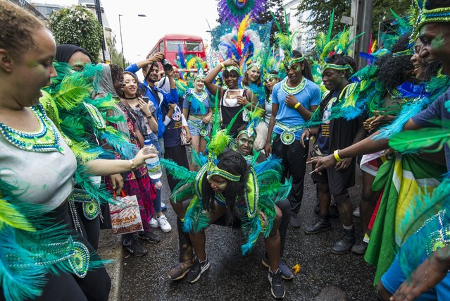 Performers take part in the Notting Hill Carnival on August 28, 2016 in London, England. (Photo by Jack Taylor/Getty Images)