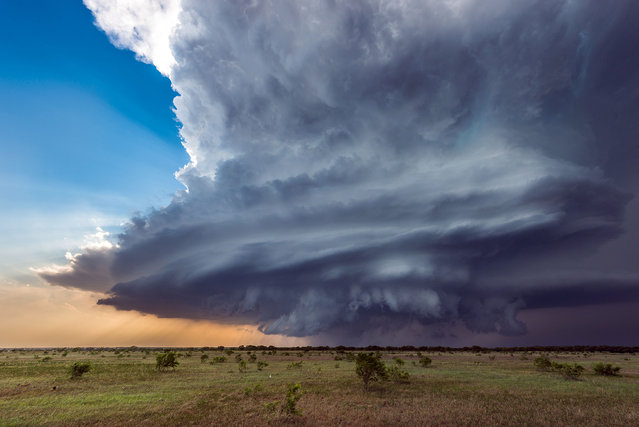 Incredible supercell storm near Henrietta, Texas. (Photo by Dennis Oswald/Caters News)
