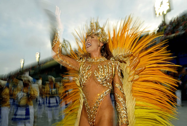 amba Queen Elaine Azevedo from the Unidos da Tijuca samba school performs during the first night of Rio's Carnival at the Sambadrome in Rio de Janeiro on March 3, 2019. (Photo by Carl De Souza/AFP Photo)