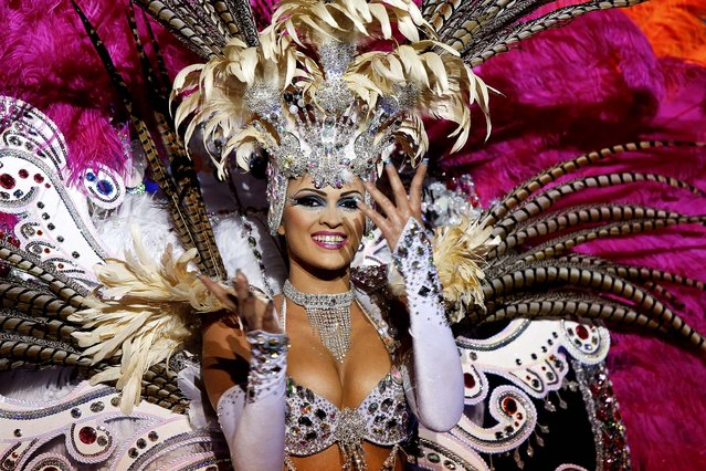 Nominee for Queen of the 2013 Santa Cruz carnival Noemi Hormiga performs on February 26, 2014 in Santa Cruz de Tenerife on the Canary island of Tenerife, Spain. (Photo by Pablo Blazquez Dominguez/Getty Images)