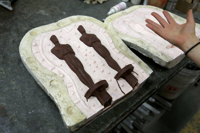 Wax versions of the Oscar statuette are just one step in the process of making the completed version at the Polich Tallix Fine Art Foundry in Rock Tavern, N.Y., Thursday, January 12, 2017. (Photo by Seth Wenig/AP Photo)