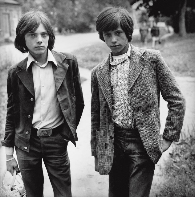 Sutkus focused on ordinary people going about their their everyday lives, rather than the model citizens promoted by Soviet propaganda. He often photographed children and young people. Here: Cavaliers in Salakas, 1979. (Photo by Antanas Sutkus)