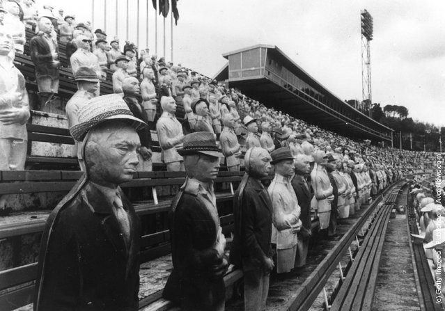 1969: The Olympic Stadium in Rome packed with 50,000 plastic dummies, which form the crowd scene for 'The Games', a film about the Olympic Games